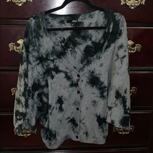 black and gray marble colored sweater/ drape